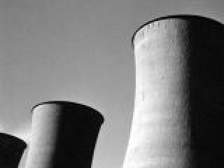 Toscana, Larderello, torri di raffredamento centrale geotermica.crop_display.jpg