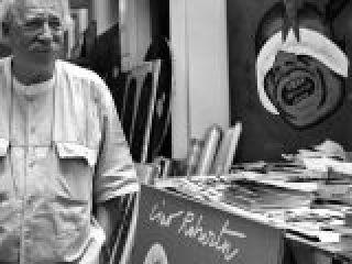 Il pitttore Concetto Pozzati nello studio di via Zamboni, Bologna.crop_display.jpg